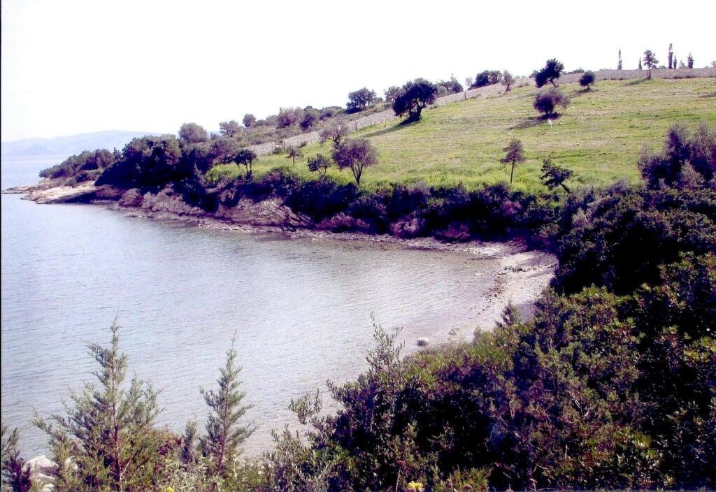 Οικόπεδο πάνω στη θάλασσα στην Ερμιόνη