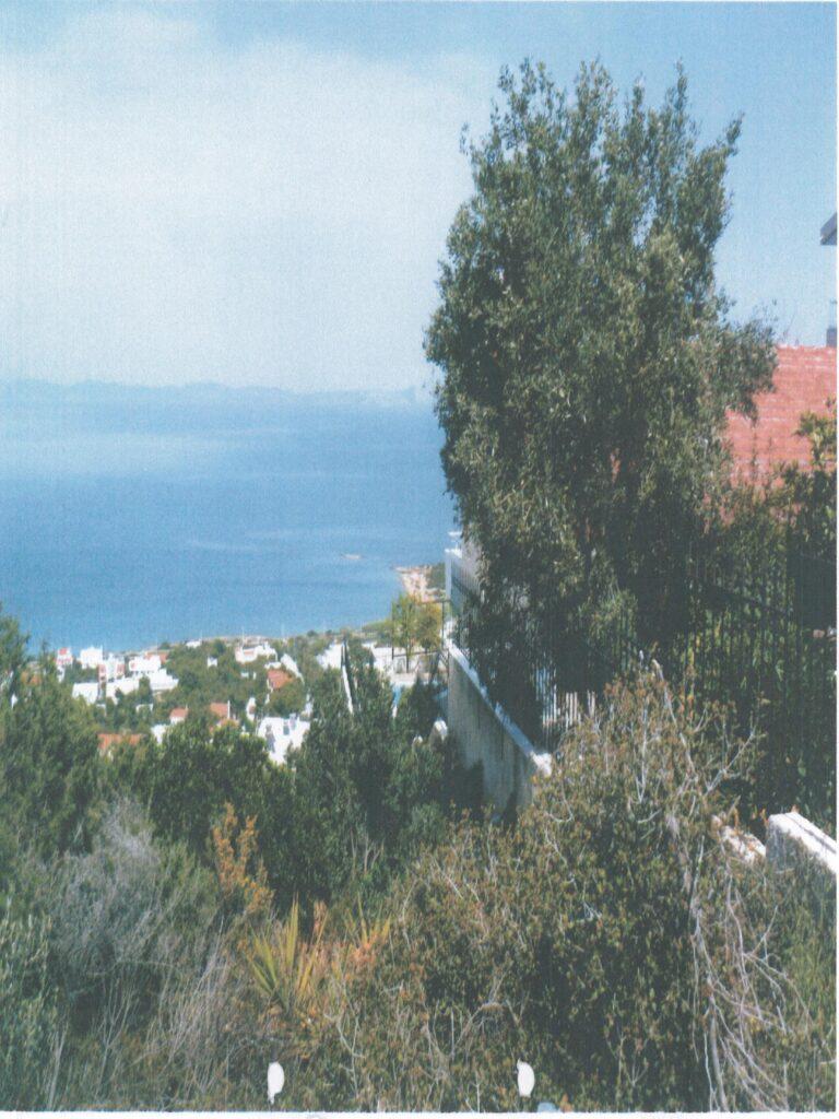 Οικόπεδο με θέα στη Βραυρώνα