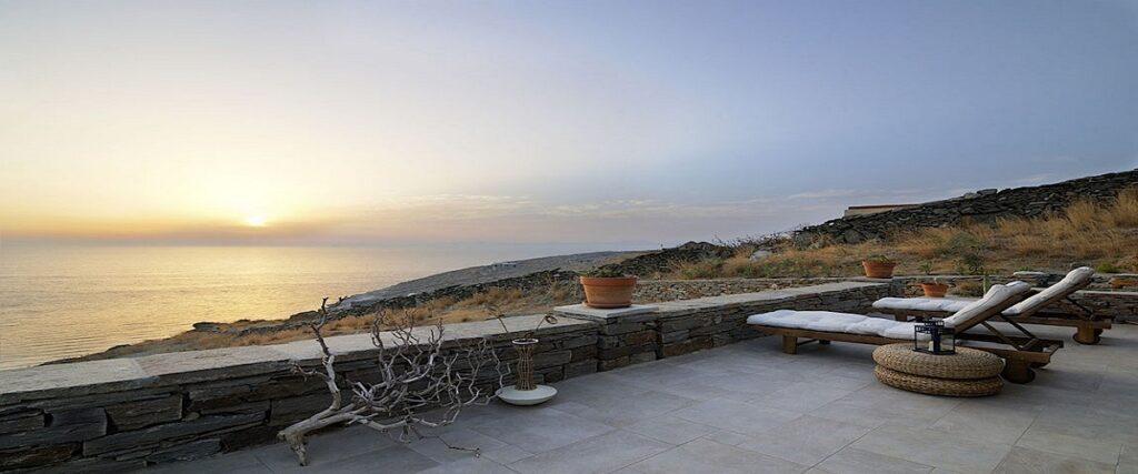 Luxurious Villas by the sea in Tzia island