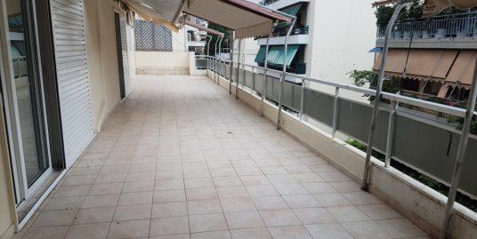 Διαμέρισμα με τεράστιες βεράντες στο Βύρωνα