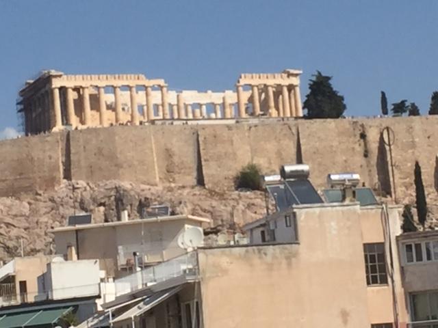 Διαμέρισμα στην Πλάκα με θέα στην Ακρόπολη!