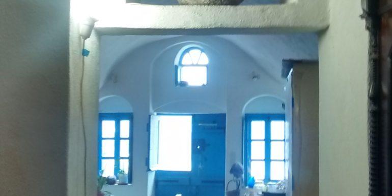 Santorini-cave house-5997. (2)