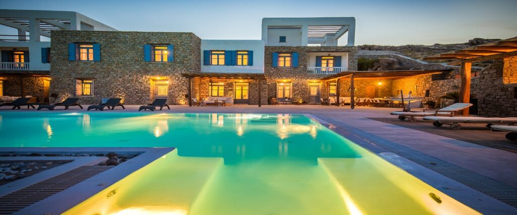 Stunning 3-level villa in Mykonos