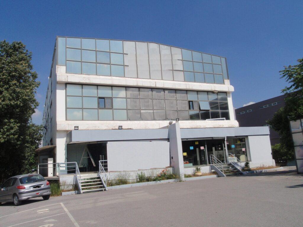 Επαγγελματικό Κτήριο στη Μεταμόρφωση