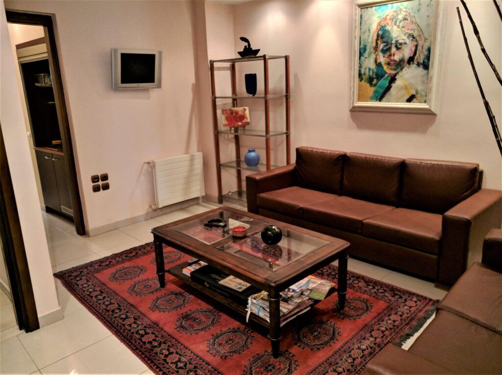 Διαμέρισμα στο Παλαιό Φάληρο, κατάλληλο για επαγγ. στέγη