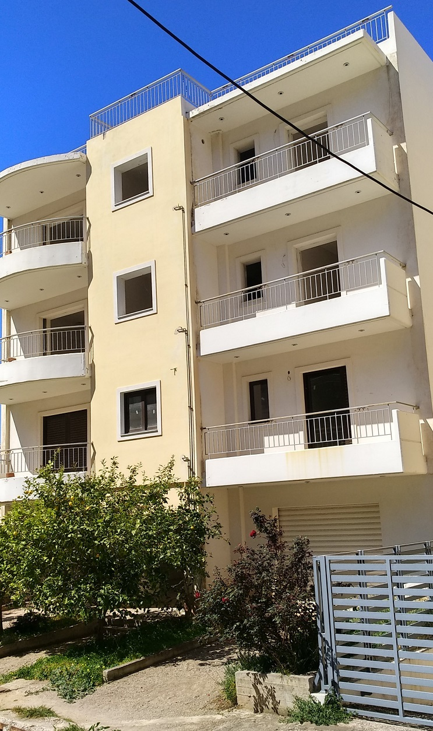 Πολυκατοικία στην Ηλιούπολη προς πώληση