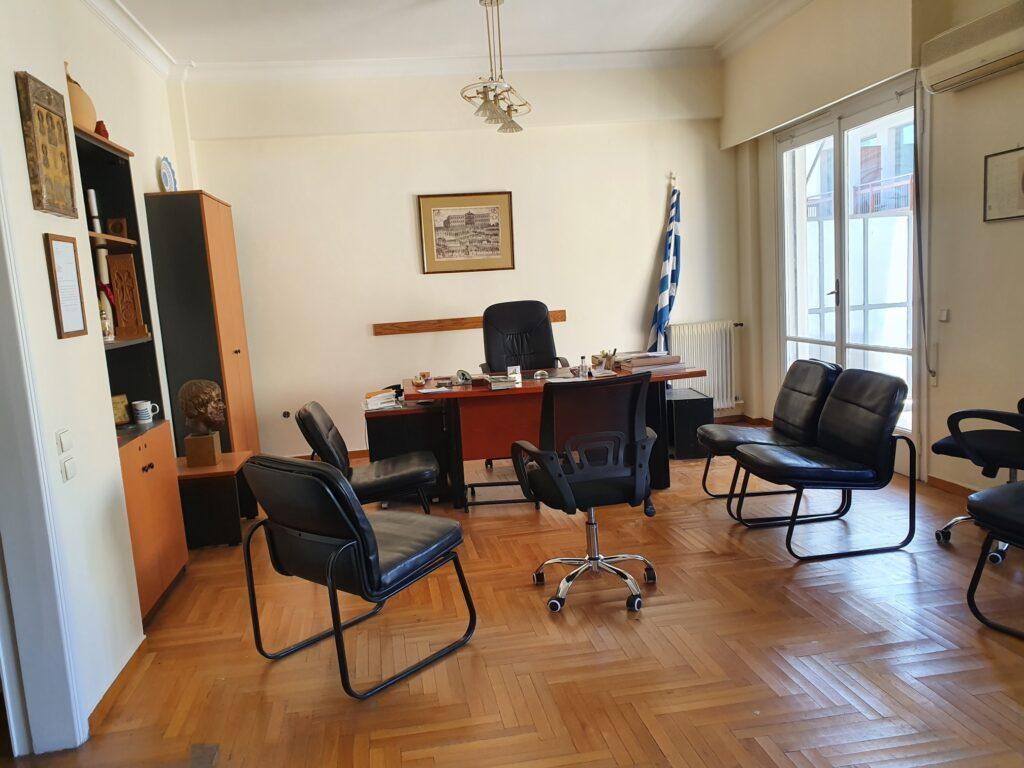 Διαμέρισμα στο Σύνταγμα προς ενοικίαση, κατάλληλο για επαγγελματική στέγη